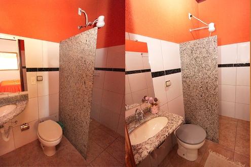 Banheiros azulejados